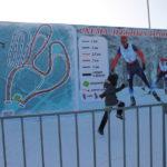 """Взрослых и детей приносило большое удовольствие мероприятие. Иэтото мальчик радостно поскокал на детскую площадку. Фото: Мария Чекарова, """"Глобус""""."""