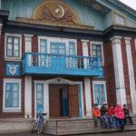 """Старое здание клуба в Красноглинном выглядит весьма интересно, но его состояние оставляет желать лучшего. Фото: Константин Бобылев, """"Глобус""""."""