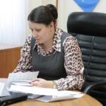 """Чаще всего серовчане пишут Елене Бердниковой. Фото: Константин Бобылев, """"Глобус""""."""