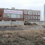 """Сейчас на месте сквера работает тяжелая техника. Фото: Константин Бобылев, """"Глобус""""."""