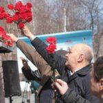 """Митинг прошел у стен военного комиссариата. Фото: Константин Бобылев, """"Глобус""""."""