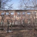 """Когда-то здесь был центральный вход в здание терапевтических корпусов. Фото: Константин Бобылев, """"Глобус""""."""