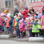 """На пути следования колонны. Фото: Константин Бобылев, """"Глобус""""."""