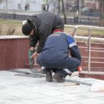 """Решетки были установлены сегодня, 8 мая. Фото: Константин Бобылев, """"Глобус""""."""