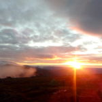 """Рассвет на Йовском плато перед марафоном 2017 года. Фото: Екатерина Баязитова, """"Глобус"""""""