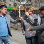 """Проверка началась со сквера у главпочтамта. Фото: Константин Бобылев, """"Глобус""""."""