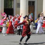 """Участники от центра """"Чулпан"""" и """"Азербайджан"""" выступали в своих народных костюмах. Фото: Мария Чекарова, """"Глобус""""."""