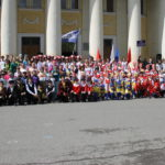 """Все участники танцевального флешмоба. Фото: Мария Чекарова, """"Глобус""""."""